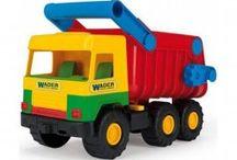 Masinute de jucarie - Wader 3D Kid Cars / Aceste masinute de jucarie sunt produse sub cunoscutul brand Wader. Colectia Wader 3D Kid Cars este una din cele mai indragite si totodata foarte cunoscute colectii de jucarii. Masinutele gigand sunt preferatele copilor.