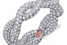 jewels & accesories / by Stephanie Renee