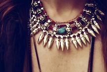 accessorize it / by Ana Pialgata
