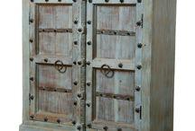 Oud kasten uit India, verkrijgbaar in vele verschillende uitvoeringen, voor meer informatie: info@chairsathome.nl