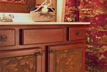 Furniture/cabinets