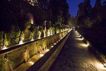 Ville e dintorni / Residenze Gregoriane si trovano al centro di Tivoli vicino Villa Gregoriana e Villa D' Este. E' vicina anche a Villa Adriana, la splendida villa romana dell'imperatore Adriano.