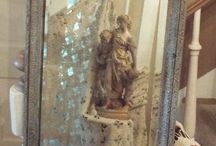 Mirrors and Frames - Painted / Inspiration for your painted mirrors and frames.