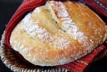 Bread / by Lili Felgar