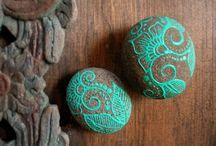 lace pebbles