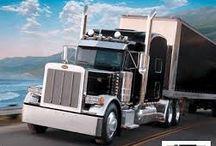 Trasporte de mercancias por carretera / VENTAJAS del transporte por carretera: >Más barato>Servicio puerta a puerta>Restricciones moderadas al transporte de ciertas mercancías>Mayor posibilidad de negociar (horarios, precios…)>Flexibilidad:se adapta a todas las demandas y requerimientos del cliente >Trazabilidad: seguimiento con los nuevos sistemas //DESVENTAJAS del transporte por carretera: >Muy contaminante (emisiones y residuos) >Daña la red de carreteras-Sometido a restricciones de tráfico-Mayor siniestralidad de toneladas por km