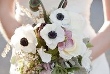 Flowers / Wedding flower ideas / by Kendra Snyder