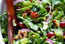 Grape, Avocado & Arugula Salad | gimmesomeoven.com