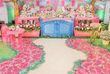 Cenário - Casa de Boneca / Um lindo cenário feito especialmente para pequenas que amam brincar de boneca!