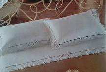 Καλύμματα χειροποιητα κρεβατιων / Δειτε εδω το κατάστημα μας https://youtu.be/w_Hd8-rQKKU Χειροποίητα καλλύματα, πλεχτά, κεντημένα με σταυροβελονιά και βυζαντινή,ή με Λευκαδίτικο. Κοφτά με παραδοσιακή ποδοκίνητη ραπτομηχανή. Ενώματα πλεχτών κομματιών σε λινό,μετάξι ή σατέν.Δεχόμαστε παραγγελίες για ότι σας ενδειαφέρει.