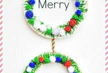 Quick and Easy Handmade Christmas Wreaths / A selection of quick and easy handmade wreaths to make with your family during the festive period.