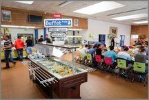 Restaurant Adultes / Chaises Zoom appui sur table breveté, empilable