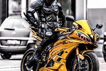 Carros e motocicletas