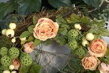 Kukkakranssit / Kekseliäitä kukkakransseja Aleniuksen puutarhalta