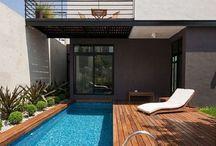 Hus och pooler