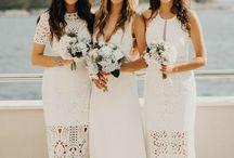 Bride and bridemaids // Bridal style // Bridemaid dress