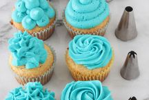 Decorate a cupcake