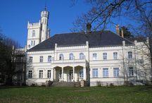 Rybokarty - Pałac / Pałac w Rybokartach wzniesiony w XVIII wieku. Obecnie -  hotel.  Palace in Rybokarty erected in the 18th century. At present - hotel.