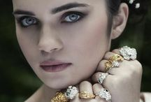 Poses for Jewellery