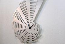 özel tasarım metal saat