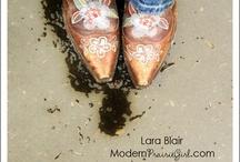 cowgirls / by Cindy Morgan
