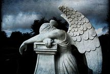 The Most Hauntingly Beautiful Cemetery Images / These images inspire me