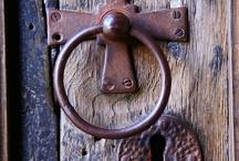 Door Decor......Knockers, Knobs & Wreaths