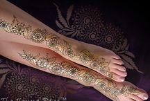 Hobby- Henna Ideas / by Erica Kefah Legaux Abdullah