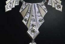 accessories / necklaces, etc
