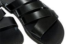 Mens Shoes //