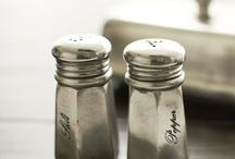 • sel + poivre • / salt + pepper shakers