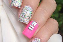 gliter nails