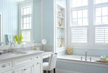Bathrooms / by Catherine Giarlo Scheer