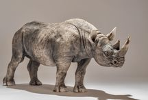 RHINOS / TO BUILD STATUES FROM BUBBLE WRAP