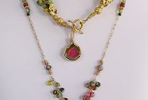 Mixed element jewelry / Use of multiple materials within individual pieces