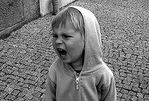"""Dühös gyerekek, mérges lufik / http://perinatalis.blogspot.hu/2014/10/duhos-gyerekek-merges-lufik.html """"Biztos előfordult már olyan, hogy a gyermekedet elöntötte a harag, s Te nem tudtál mit kezdeni vele, az is lehet, hogy általában lobbanékony a gyereked és/vagy nem tudja jól kontrollálni a haragját vagy csalódását..."""""""