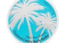 Coconut Creme Body Butters / Wrap your skin in moisture rich luxury with Primal Elements new Coconut Crème Body Butter. Enriched with extra virgin coconut oil for extra rich moisturization, coconut oil has the added benefits of vitamin E which is known for its skin healing properties. Coconut oil also helps keep moisture from escaping from the skin keeping it soft and supple. This unique formula is made with seventy-five percent organic ingredients and is paraben free. This creamy body treat is four ounce (113ml).