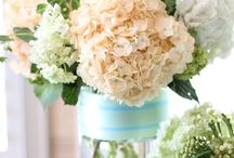 Pretty Flower Arrangements / Collection of all beautiful flower arrangement ideas and designs for home decor or wedding. / by Flovery