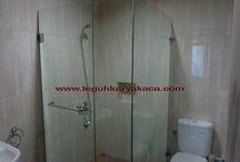 Showerbox kaca ruang kamar mandi / Model shower screen kaca pada ruang kamar mandi