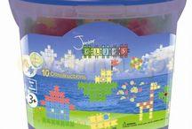 Klocki Clics / Klocki Clics - Bezpieczne, belgijskie klocki konstrukcyjne clics dla dzieci firmy BBM N.V. Plastikowe, edukacyjne klocki clics w kolorowych zestawach