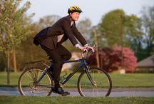 men met fiets