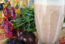 Red plum smoothie / Recipe