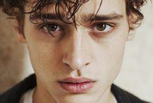Kayden / 18 y.o/ 176cm /brown hair / green eyes
