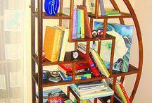 Estantes - Regiane Ivanski / Projetos para você se inspirar na organização da casa usando da estantes.