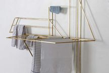 furinture: clothing racks / hangers