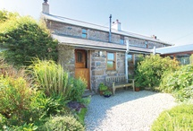 Properties in St Ives / St ives is a stunning location set in the West of Cornwall and enjoying a wealth of natural light and beaches on every side. A truly spectacular location for families and groups of friends alike.
