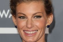 Celebrities with Braces / Check out all the celebrities that once had braces! Brought to you by Sunrise Dental, located in Raleigh/Durham/Cary/Chapel Hill, NC. Visit us at https://dinahvice-sunrisedental.com/