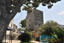 """La Torre / """"La Torre"""" is a completely restored antique abode that dates back from 1600. It is located in the heart of a small hamlet, Santa Maria Annunziata, of times gone by in the history of Massa Lubrense. It has breath-taking views of Capri and the Gulf of Naples from its viewpoint."""