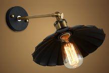 HISTORICKÉ NÁSTENNÉ SVIETIDLÁ / Historické nástenné svietidlá ktoré tvarovo a dizajnovo pripomínajú minulosť a historické lampy. Vidiecke a rustikálne nástenné svietidlá sú krásnym doplnkom každej domácnosti. Starožitné nástenné svietidlá, starožitné nástenné lampy, starožitné nástenné lustre, kryštálové nástenné lustre, kovové nástenné svietidlá, staré lustre, historické svietidlá. V našom sortimente nájdete historické svietidlá na stenu, ktoré zmenia Váš domov na historickú pamiatku.
