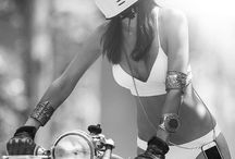 Girls And Motos